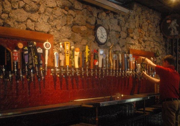 J Clyde beer bar