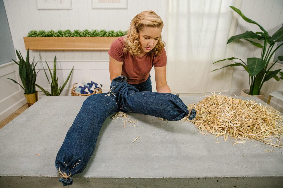 How To Make A Diy Scarecrow