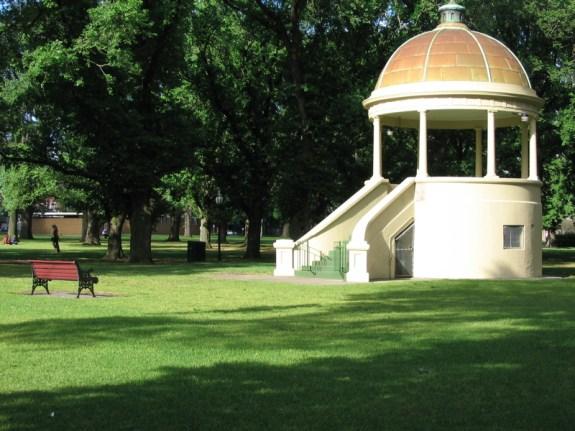 Edinburgh Gardens is a great taste of green near Fitzroy, Melbourne