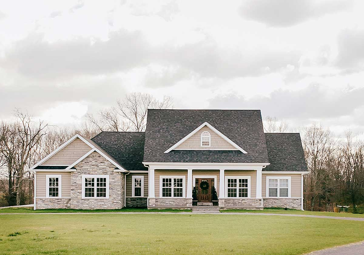 Nicely Proportioned Traditional House Plan - 77617FB