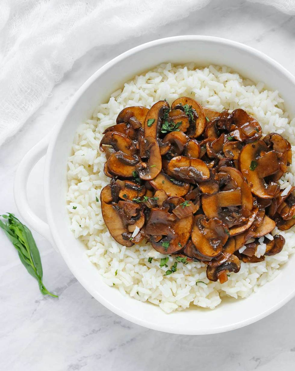 Balsamic Mushrooms with Tarragon Rice from SoupAddict.com