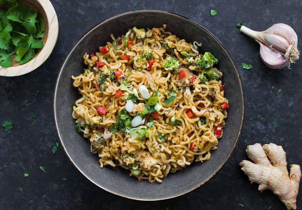 Ramen Noodle Stir Fry - so easy for a weeknight dinner. Recipe at SoupAddict.com