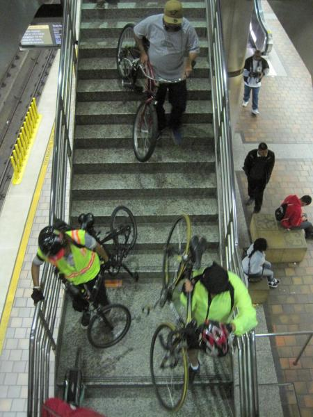 Ciclistas en Union Station.