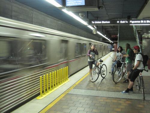 En la Línea Roja del Metro.