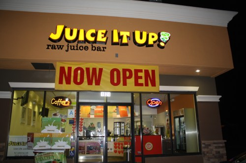 Juice it up en la avenida Marengo y la calle State. (Foto Agustín Durán/El Pasajero).