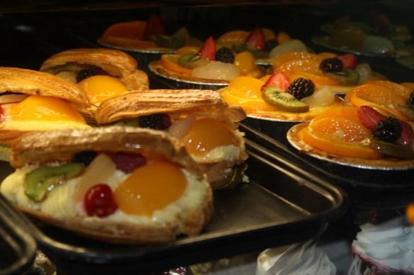 La repostería en el restaurante Tropicana es un imán de dulzura. (Foto de Agustín Durán/El Pasajero)