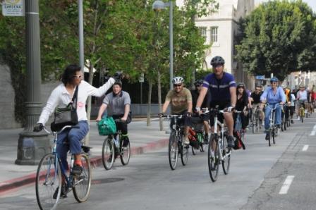 Ciclistas en Los Ángeles.