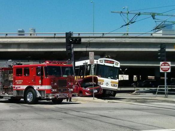 choque de tren y auto, Línea Azul, Línea Expo, accidente, retrasos, Metro, El Pasajero