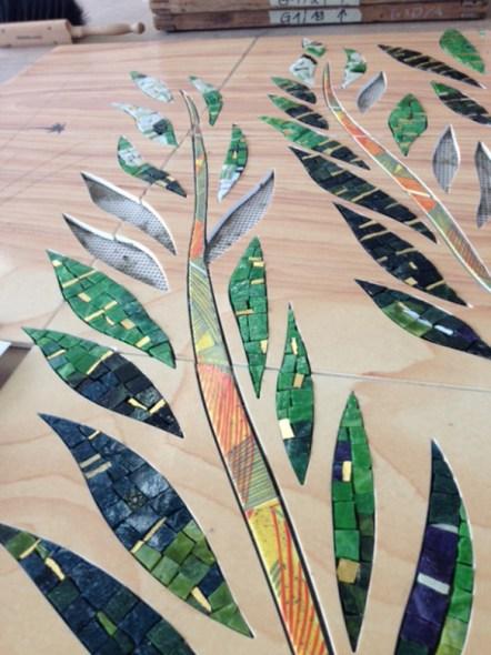 El diseño original de la artista se trasladó a losetass de cerámica.