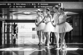 Bailarinas en Union Station.