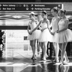 Bailarinas en Union Station.