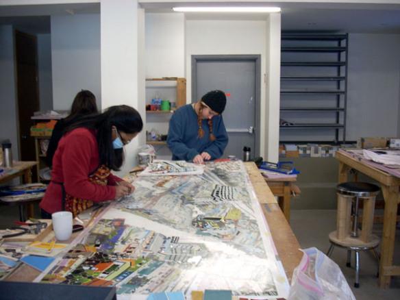Ensamblaje de los miles de azulejos que conforman la obra: Foto: Mosaika Art & Design.