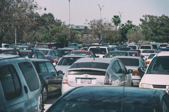 El estacionamiento en la estación Norwalk de la Línea Verde cuenta con 1,792 espacios que casi siempre están llenos. Foto: Steve Hymon/Metro.