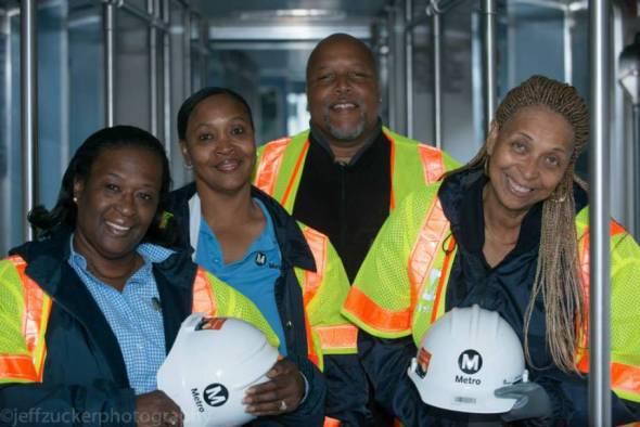 Algunos de los trabajadores que participaron en las pruebas. Foto: Jeff Zucker/Expo Line Construction Authority.