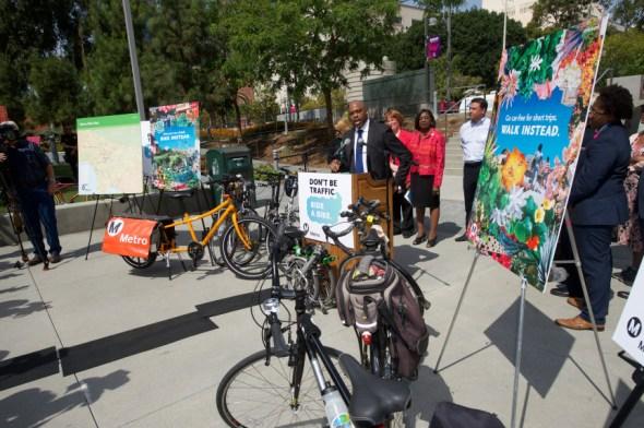 El director general ejecutivo de Metro, Phil Washington, durante el evento de prensa. Foto: Luis Inzunza/Metro.