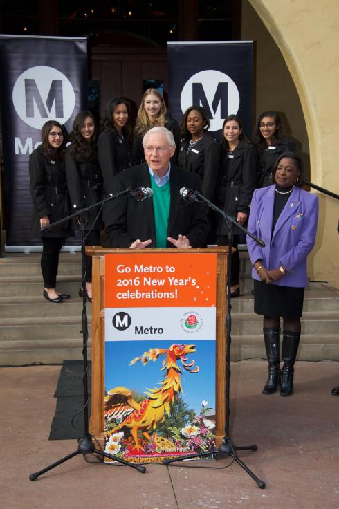 Michael D. Antonovich, supervisor del condado de LA y miembro de la Junta Directiva de Metro.
