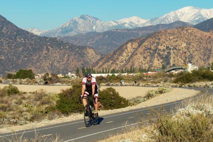 Vía para ciclistas en San Gabriel. Fotos: Steve Hamon/Metro.