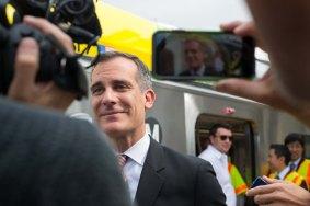 El alcalde de L.A. y vicepresidente de la Junta de Metro, Eric Garcetti.