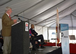 Metro CEO Art Leahy speaks at the groundbreaking event.