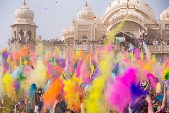 The Holi festival celebrated in Utah. Chris Chabat/Flickr CC.