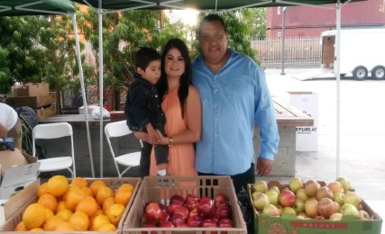 Go Metro and save 10% on organic apples and oranges! Compton Farmers' Market Official Facebook