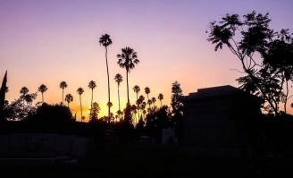 The Hollywood Forever Cemetery at dusk by Chris Goldberg, flickr/CC.
