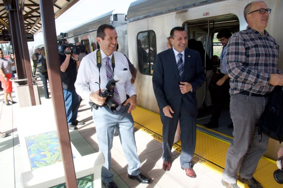 Metro's Luis Inzunza, left, and Foothill Ext. Construction Authority CEO Habib Balian. Photo by Gary Leonard for Metro.