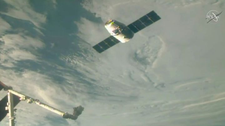 SpaceX Christmas Gifts Arrive at the International Space Station