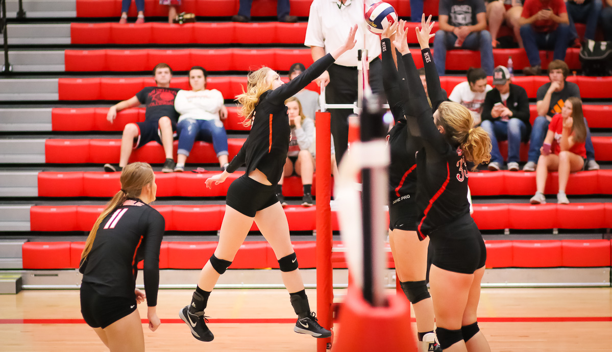 Lady Tigers Sweep Into Semifinals