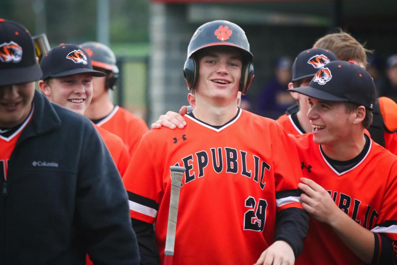 Beck's Blast Highlights Tigers' 1st Win