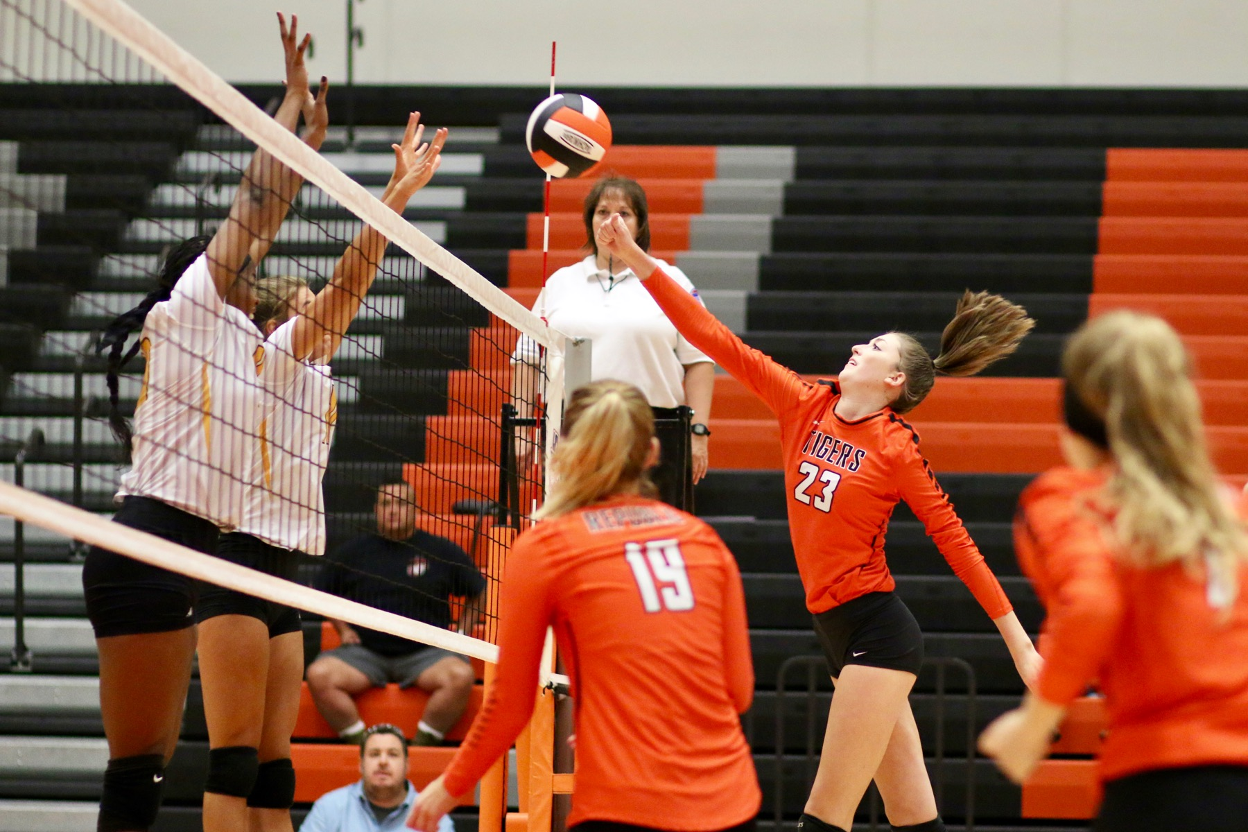 Lady Chiefs Overwhelm Young Republic Lineup