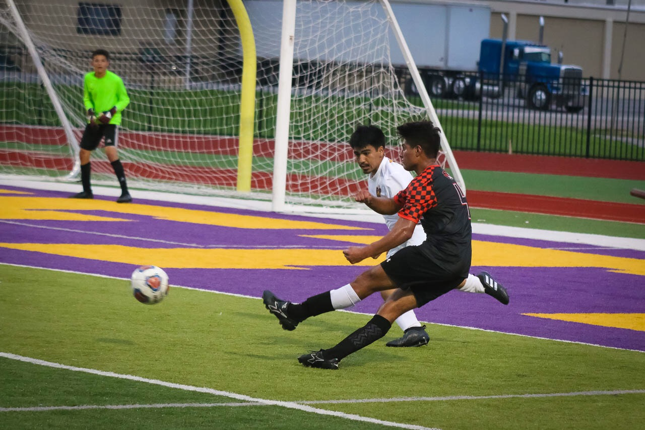 Soccer Tigers Shut Out Yellowjackets