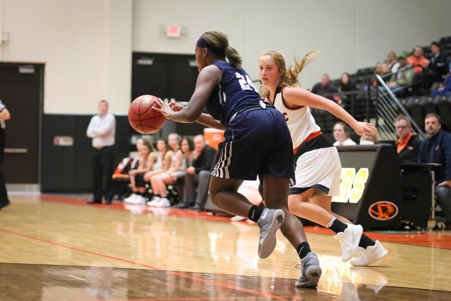 Game Replay: Girls Basketball vs Lee's Summit West