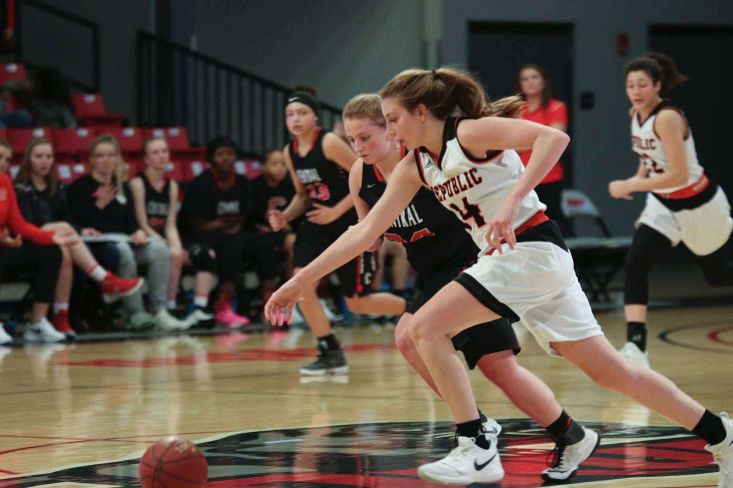 Lady Tigers Pull Away From Hickman
