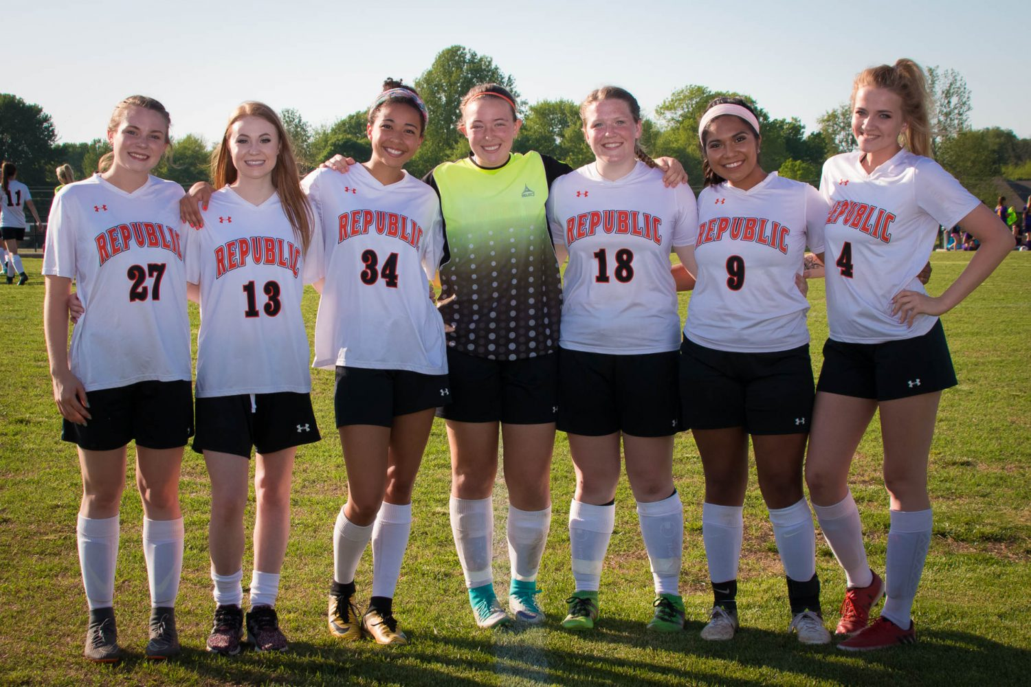 Lady Tigers Step Up On Senior Night