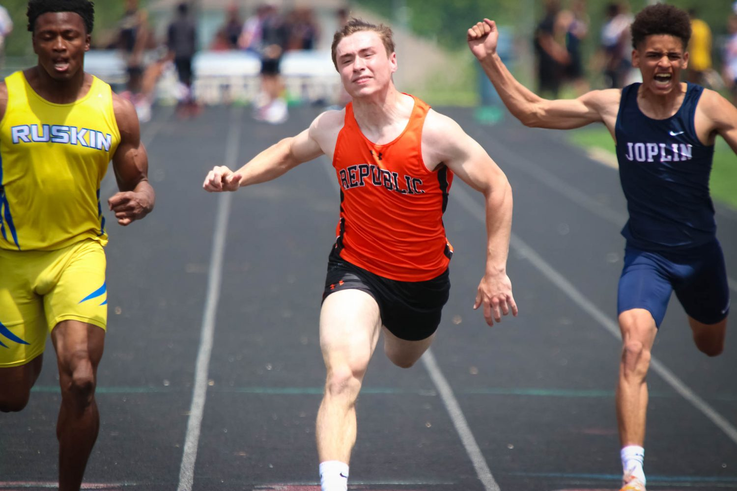 Photos And Results:  Track Districts