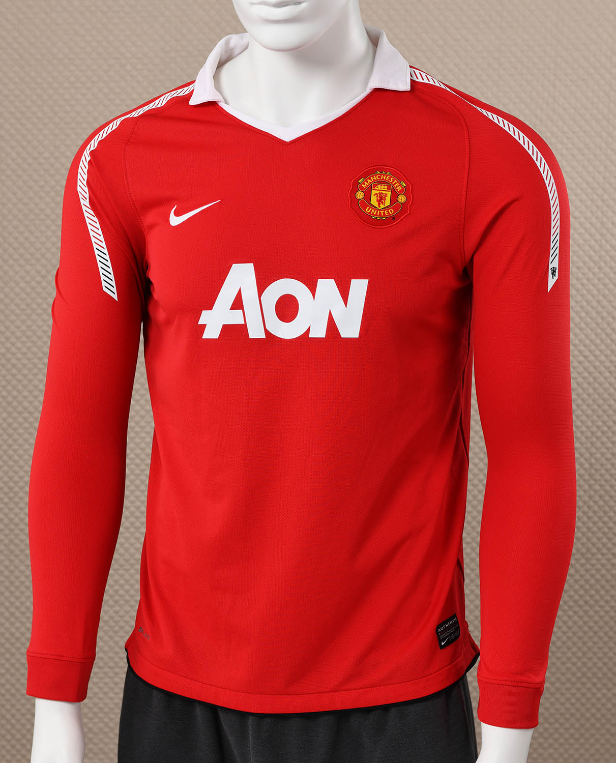 19ebb6106 Manchester United Long Sleeved Jersey Sportshistorycollectiblescom