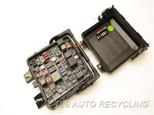 2013 Cadillac ATS fuse box  22953291  Used  A Grade
