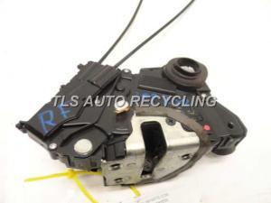 2007 Toyota Prius lock actuator  6903047060RIGHT FRONT