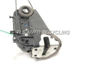 2007 Toyota Prius lock actuator  6905047050PASSENGER