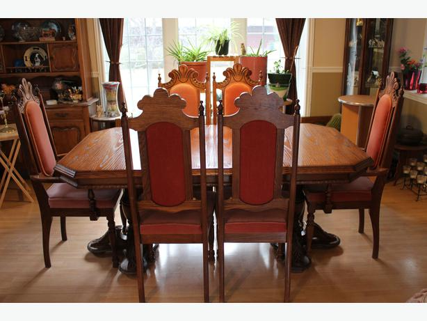 Solid Oak Dining Room Table, Hutch And 6 Chairs Cumberland