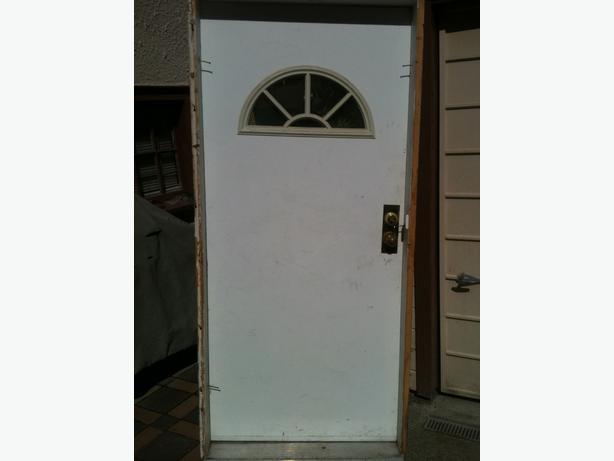 Exterior Door Victoria City, Victoria