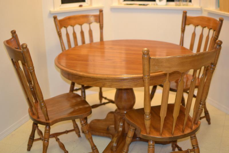 Oak Dining Table And 4 Chairs Victoria City, Victoria