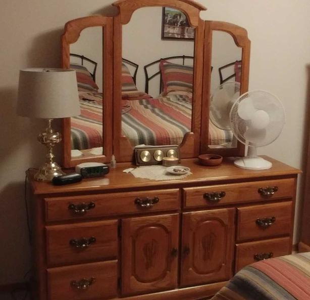 4 pieces solid oak bedroom furniture