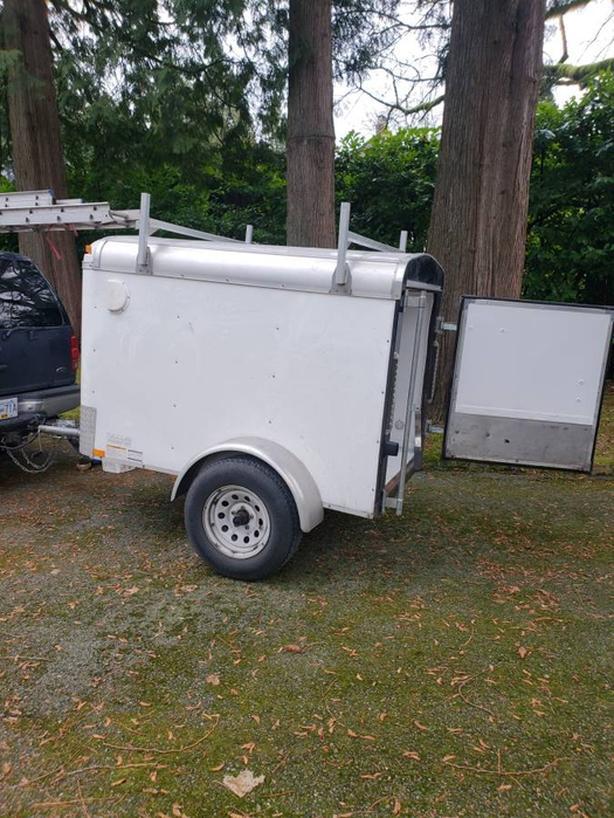 mirage 4x6 cargo trailer w ladder rack