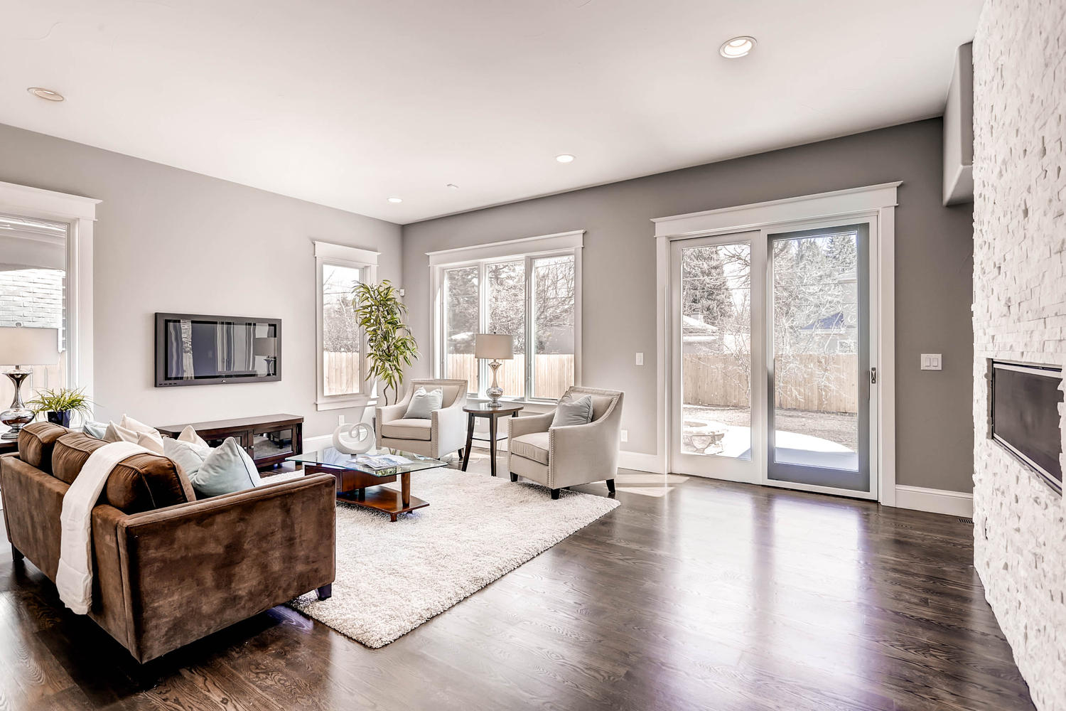 Home Staging Design By White