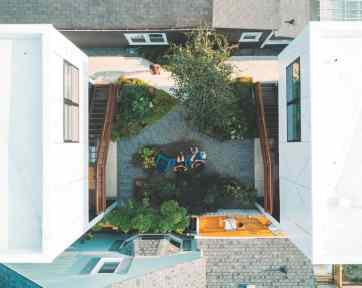COURTYARD-TOP-VIEW_cmyk300_CREDIT-Kelly-Nowels