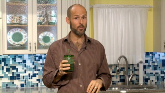 WATCH: Sweet, Green Thick and Creamy Detox Smoothie Recipe