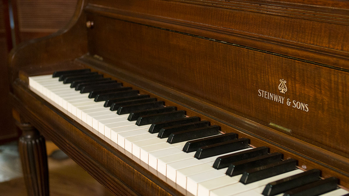Steinway Console Piano For Sale Living Pianos Online
