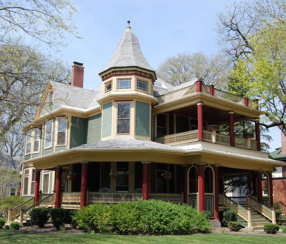 House Wrap Around Porch And Balcony
